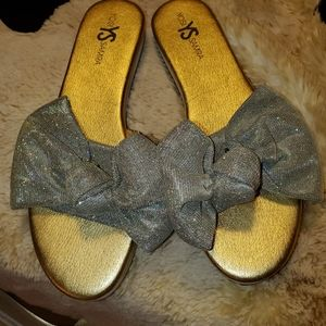 Sandals slides with bow
